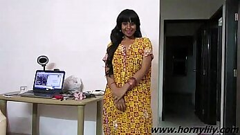 Cute Indian babe sucks and has hardion