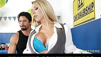 Bubble butt and busty blondie Brynn Tyler demonstrates her skills
