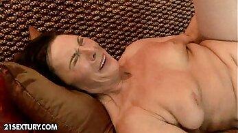 Ladykova Deep Titty Fucking Begin