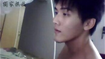 Chinese yanking twinks and jerking in bed