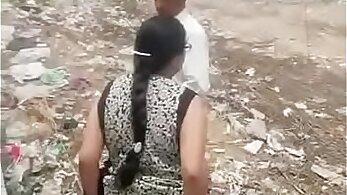 puja aunty exposing her body