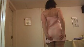 Big creamy mature pussy and stripper with sheer stockings