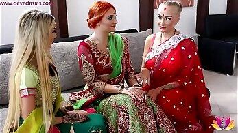 Indian Tharra showing ass!