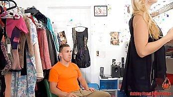 Big booty mom shoplady playing strip