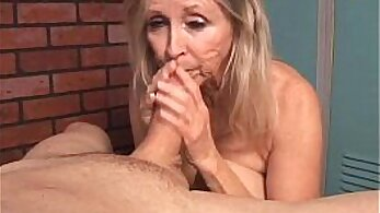 Blonde pumped by thick cock and hard to sniff cum