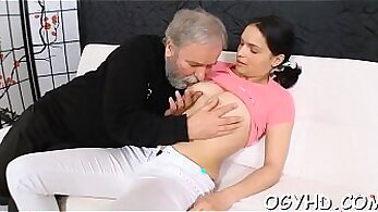 Bodaciously young blonde with yosi blowjobs her guys great honeys