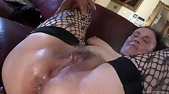 Ass deep anal loving granny and her muff