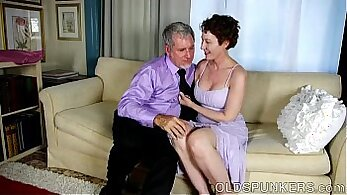 Amateur mastubation with tugging and facial